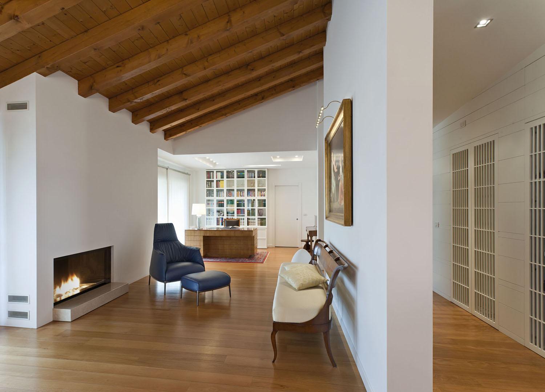 Interior design attico a pordenone graphosds for Designer d interni